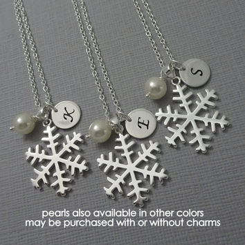 Snowflake Necklace, Winter Wedding Bridesmaid Necklace, Winter Wedding Necklace, Bridesmaid Gift Flower Girl Necklace Christmas Gift for Her