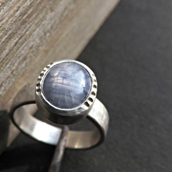 blue star sapphire ring, sapphire ring silver, lavender blue sapphire gemstone, rustic wedding ring, rustic engagement ring, size 7.75US
