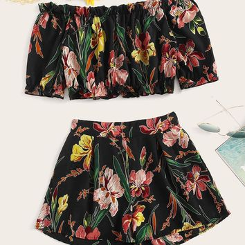 Floral Print Off The Shoulder Crop Top With Shorts