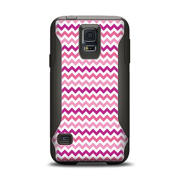 The Subtle Pinks and White Chevron Pattern Samsung Galaxy S5 Otterbox Commuter Case Skin Set