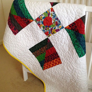 Homemade baby quilt~ patchwork crib quilt~ summer baby quilt~ bright colours~ free motion stitching~ quilted baby cot blanket~ lap quilt