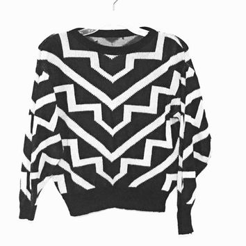 Vintage 80s sweater chevron pixel knit geometric black and white pattern