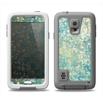 The Unfocused Green & White Drop Surface Samsung Galaxy S5 LifeProof Fre Case Skin Set