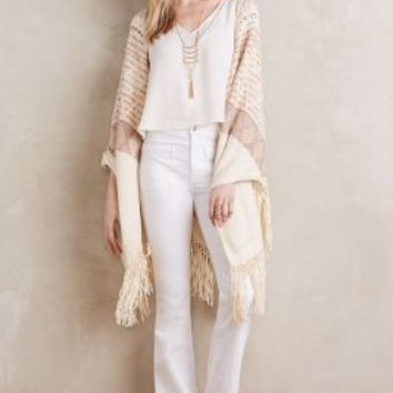 Moth Calipatria Poncho in Neutral Size: