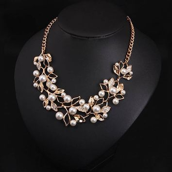 Fashion Simulated Pearl Necklaces&Pendants Leaves Statement Necklace Women Collares Ethnic Jewelry Personalized Gifts New Arrive