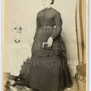 CDV Carte de Visite Photo Victorian Young Pretty Woman, Long Layered Dress Holding Book Portrait - J Hoare of Farnham Surrey - Antique Photo