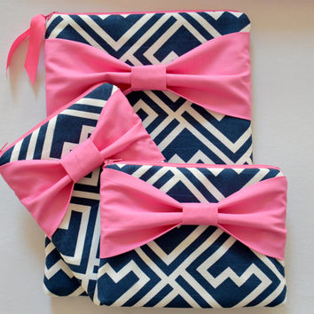 Macbook Pro 15 Sleeve Laptop Case & iPad or iPad Mini Sleeve and Zippered Accessory Pouch in Navy and White Pattern with Pink Bow