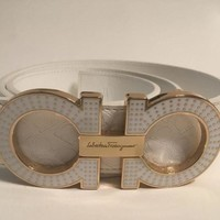 ONETOW Salvatore Ferragamo White White Gold Buckle Fashion Horseshoe Designer Unisex