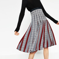 PRINTED ACCORDION-PLEAT MID-LENGTH SKIRT DETAILS