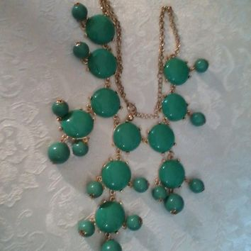 Costume Jewelry-  Green Tones Necklace