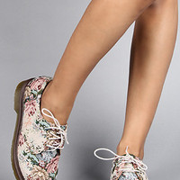Dr. Martens The 1461 3Eye Needlepoint Shoe in Beige Floral Tapestry