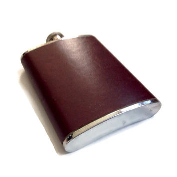 Retro Barware, Hip Flask, Stainless Steel Covered in Leather, Burgundy, 6 Oz. Vintage,
