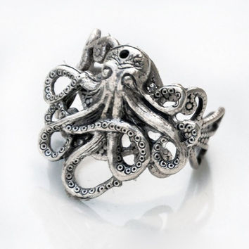 Steampunk Octopus Filigree Ring by PursesonalStyle on Etsy