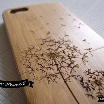 SALE30%OFF: Natural Bamboo iPhone 5 Case - Engraved Flying Dandelion iPhone Case // 3D, Sculpture, Wood Pattern, Art, Gift, Laser Engraving