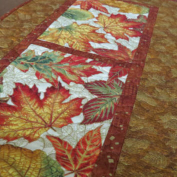 Quilted Fall Table Runner - Autumn Leaves Gold 508