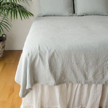 Florence Twin Coverlet with Velvet Edge in CLOUD