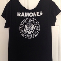 Off the shoulder 1999 Ramones t shirt