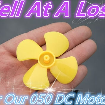 1pcs lot K815 Model Propeller Fit for Our 050 Micro DC Motor DIY Parts for Adults And Children Sell At A Loss USA Belarus