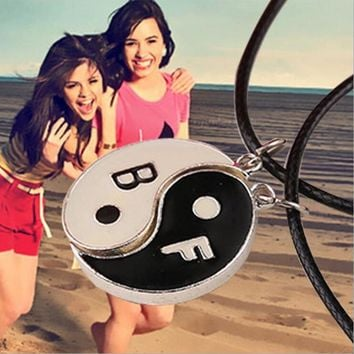"""Best Friend"" For 2 BBF Yin Yang ying yan black&white puzzle Pendant Necklace Black White Couple Sister Friendship  Gifts"