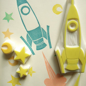 rocket rubber stamps | retro spaceship moon star planet | diy holiday gifts | birthday card making | set of 5 | hand carved by talktothesun
