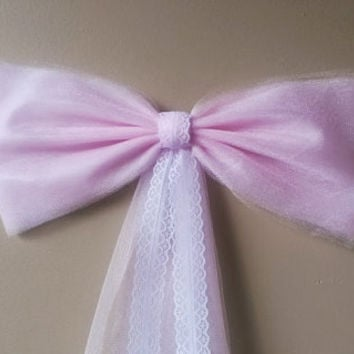 Pink Pew Bow with Lace, Wedding Pew Bow, Lace Pew Bow, Tulle Pew Bow, Bridal Shower Bow, Stair Door Mailbox Tree Topper Church Decoration
