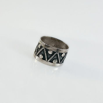 Mexican Sterling Silver Ring - Wide Band Silver Ring Size 6 - Taxco Drum Ring - Drum Design Ring - Zig Zag Dots Ring