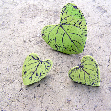 Heart shaped green leaf earring and ring set- polymer clay- post earring and ring- handmade- nature inspired- woodland- boho- spring jewelry