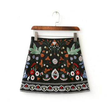 2016 Sexy Package Hips Floral Embroidery Skirt brandy melville New Women Contrast color Black mini short Skirts Femme