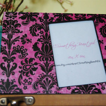 Pink and Black Damask Picture frame 4 X 6