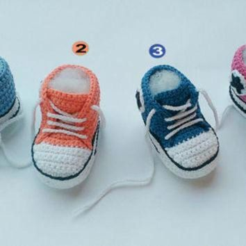 MDIGUG7 Baby crochet sneakers, Baby sneakers, Converse crochet shoes, Baby booties, Baby shoes