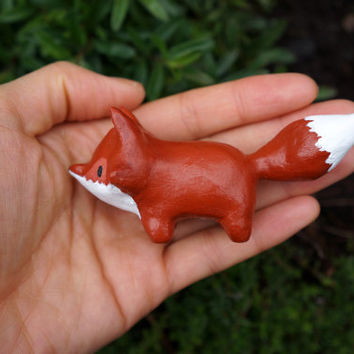 Clay Exploring Fox Totem