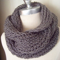 Pewter Gray Scarf, Infinity Scarf, Knit Fall Scarf, Loop Scarf, Mobius Scarf, Fashion Knitwear, Fall Essentials,