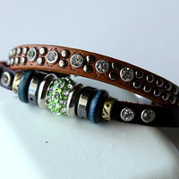 Hand-woven fashion brown genuine leather bracelet with multiple beads BY20
