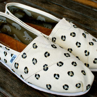 Leopard Print Natural Canvas Classic TOMS