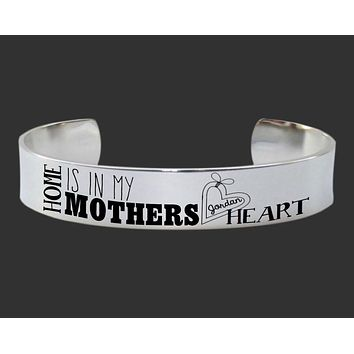 Home Is In My Mother's Heart Personalized Bracelet | Mother Gift