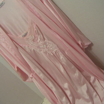 Sleepwear Peignoir Set Pink Long Robe  Long Negligee Vanity Fair Wedding Honeymood
