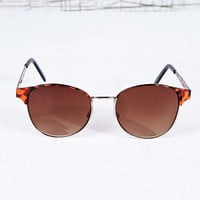 Metal Frame Sunglasses in Tortoiseshell - Urban Outfitters