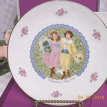 Royal Doulton Valentines Day Victorian Children Boy & Girl Collectors Plate 1976