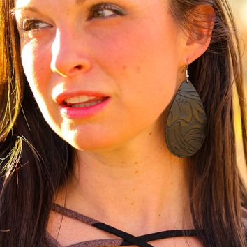 Leather Earrings in Cora cut