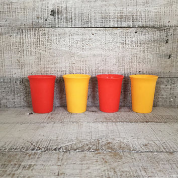 Tupperware Cups Set of 4  Vintage Yellow and Orange Juice Glasses Retro Tupperware Cups Mid Century Cups Vintage Plastic Glasses