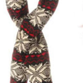 MDIGMS9 59' Alpine Chic Black Red and Cream Snowflake Knit Nordic Design Christmas Scarf Ornament