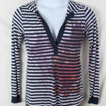 Romeo & Juliet Couture Top L size New Blue White Hooded Lightweight Tee Shirt