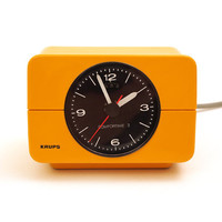 Krups Comfortime 3 clock. Retro light orange yellow Type 672. Mid-Century Modern Germany 70s space age