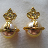 JOAN RIVERS Fleur de Lis Pearl Earrings