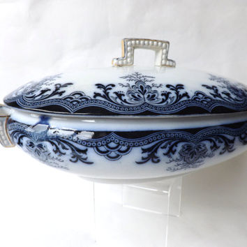 Flow Blue Dish / Flow Blue Tureen with Lid / English Blue Transferware / Antique Blue and White Dish / Cottage Decor / Edwardian Serveware