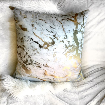 Marble/Gold Pillowcase