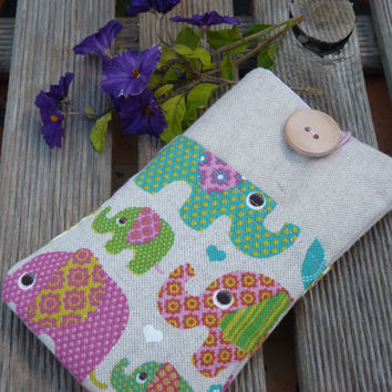 Iphone 6 cover / Fabric Case Nexus 5 Cover / Nexus 5 Case/ Iphone 6 padded case /  iphone 6 protection - Linen, Elephants pockets