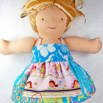 Waldorf doll dress - Bamboletta 16 inch American Girl M2M Matilda Jane clothing clothes blue pink apron - Robe poupée