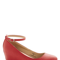Minimal Take a Stride With Me Wedge in Red