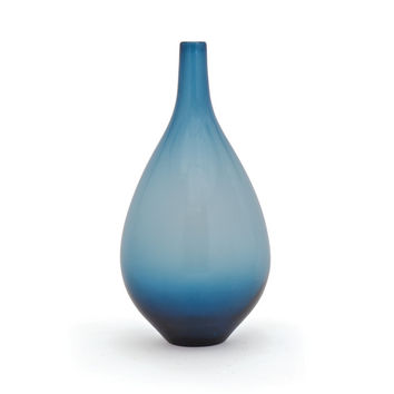 "Eclipse Home Collection Zafiro Vase 8.5"" L  x 8.5"" W  x 17"" H  x 10"" Dia."
